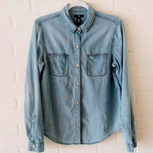 5/$25 Gap Denim button down top M